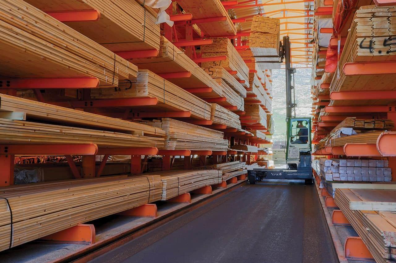 קורות עץ - מחסן עצים