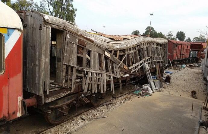עבודת השחזור המדהימה של קרון רכבת עתיק שעשוי כולו עץ