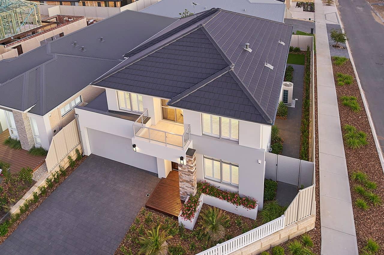 בית פרטי עם גג רעפים מודרני