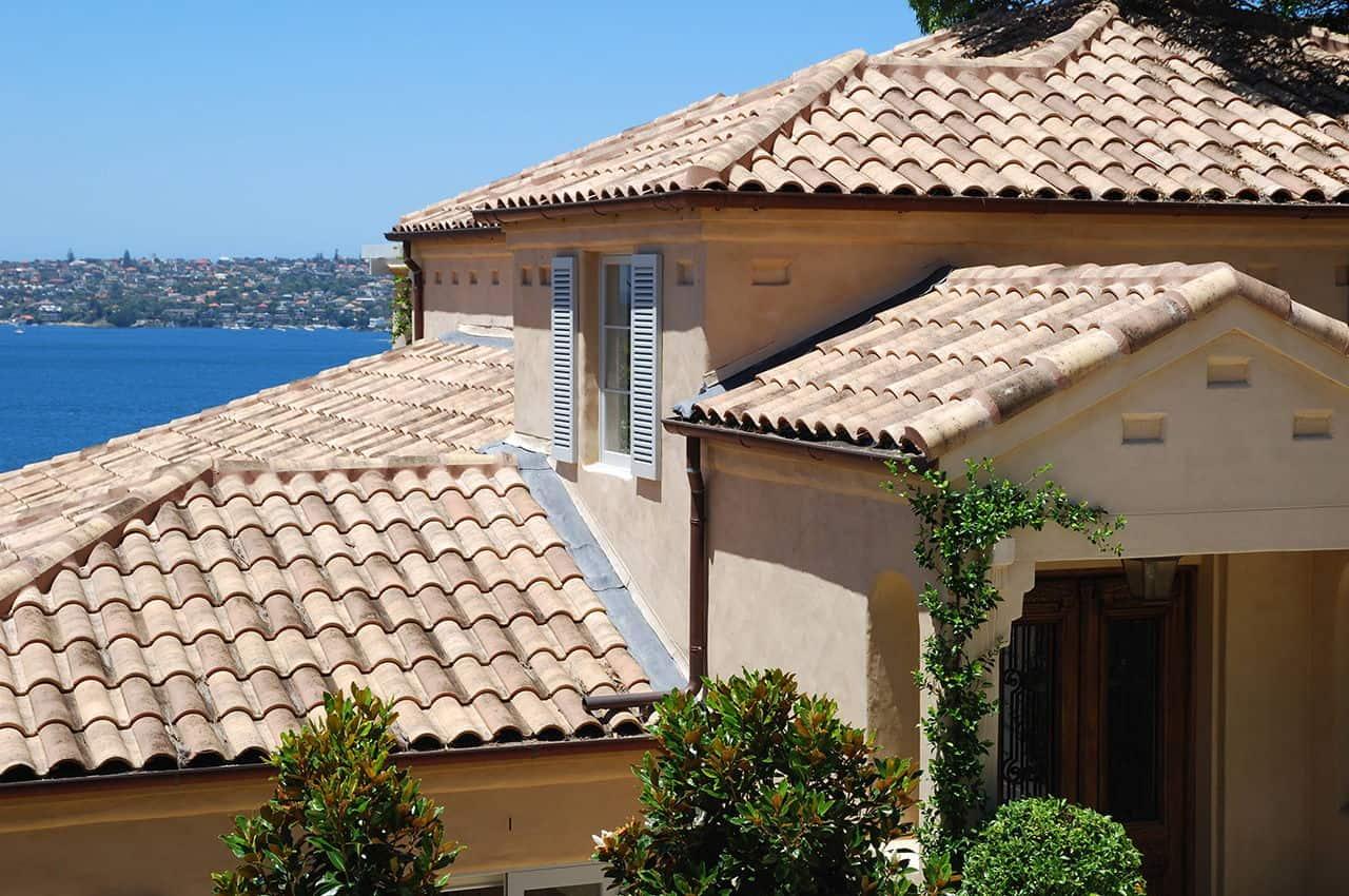 גג רעפים בסגנון כפרי ים תיכוני רעף אסקנדלה פורטוגז