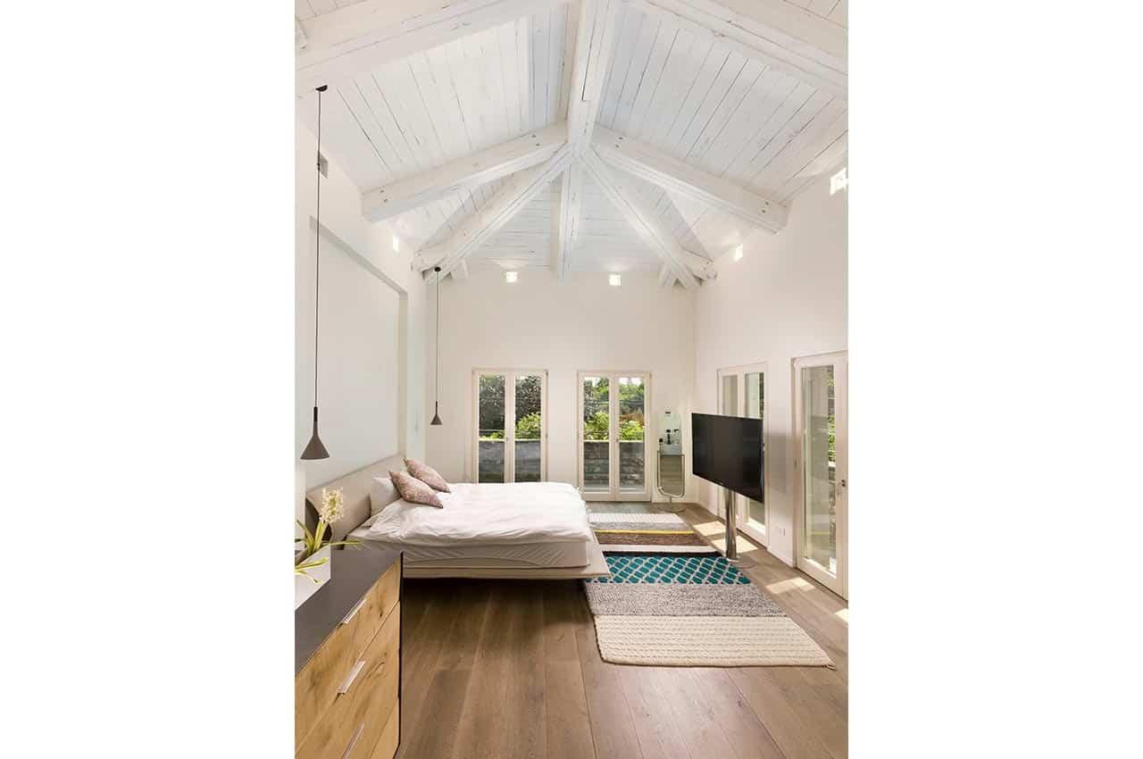 גג גושני לבן בגמר צבע לבן אטום