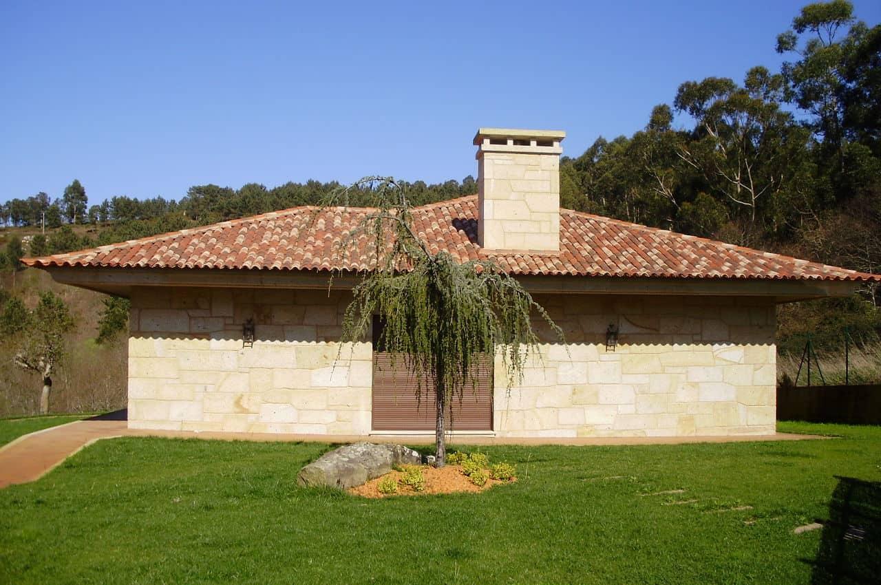 גג רעפים בסגנון כפרי רעף אסקנדלה פורטוגז מילניום