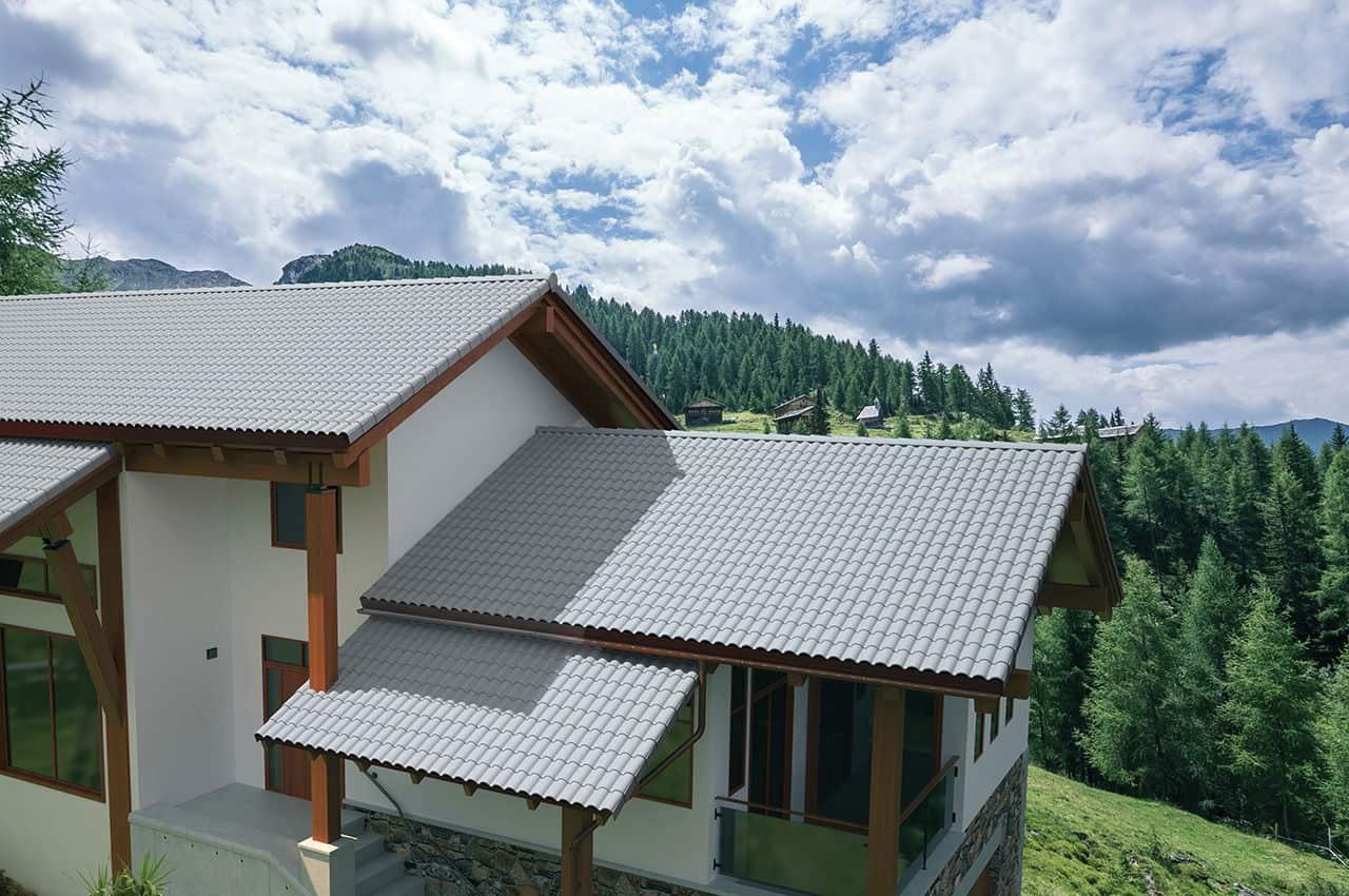 גג רעפים מודרני לבית בכפר