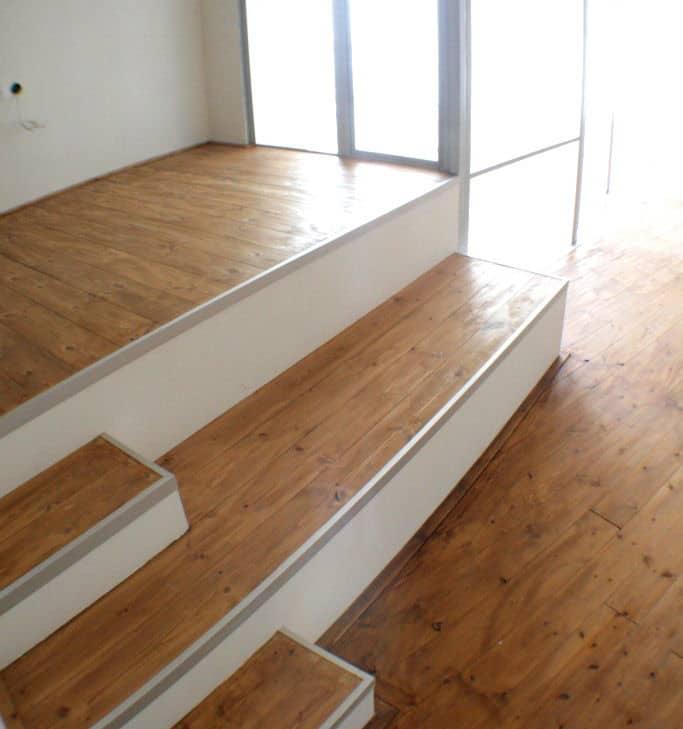 חיפוי רצפה מעץ אורן