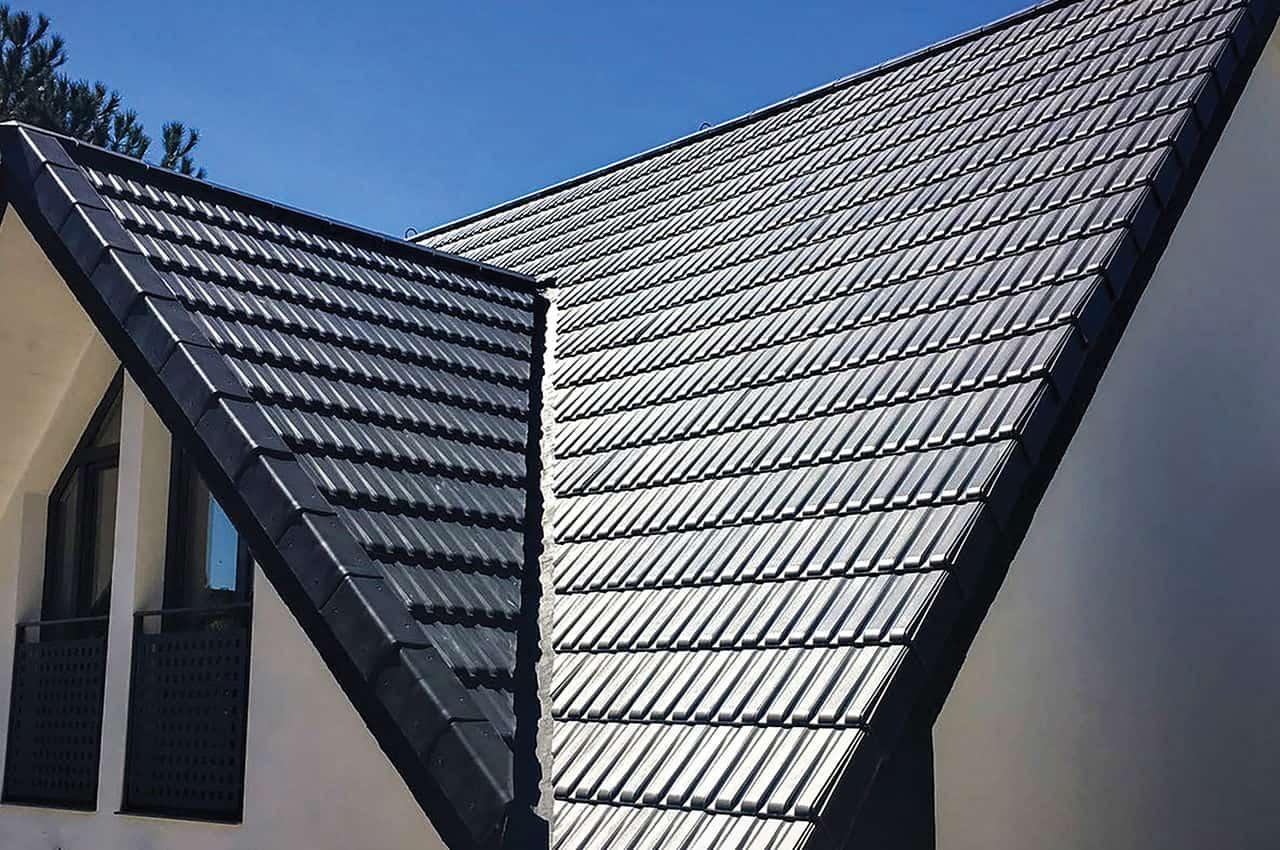 גג רעפים מודרני עם שיפוע