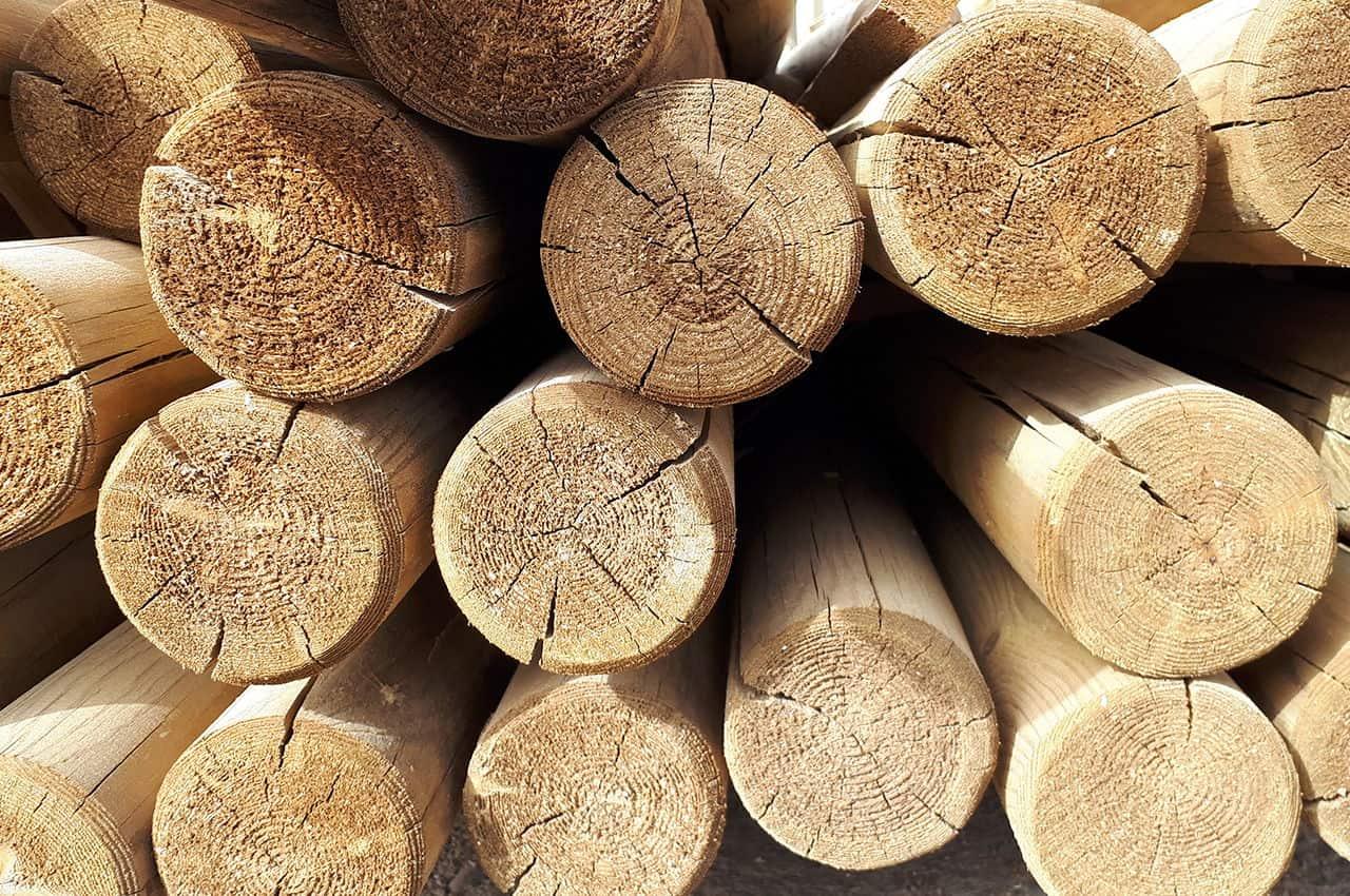 מוטות עץ עגולים